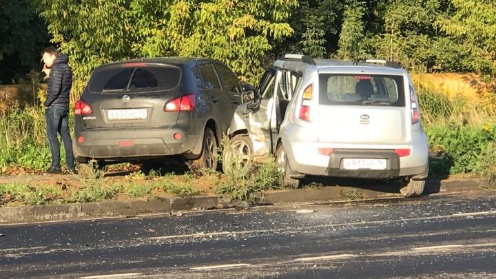 «Была без сознания»: в Ярославле в ДТП пострадала женщина-водитель