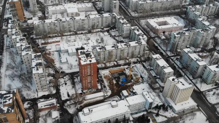 Появилось видео стройки высотки за ТЦ «Аквариум»