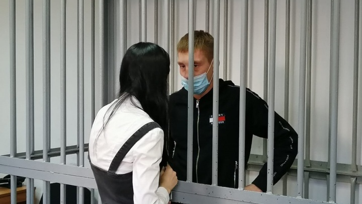 Екатеринбуржец, разбивший нос ЛГБТ-дизайнеру и севший на 5 лет, получил шанс на смягчение приговора