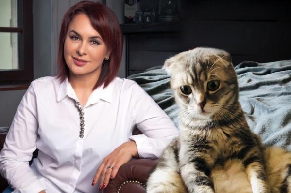 Шагапова испытала чипирование на своем питомце<br>