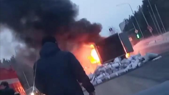 В Тюмени загорелась «Газель» с коврами