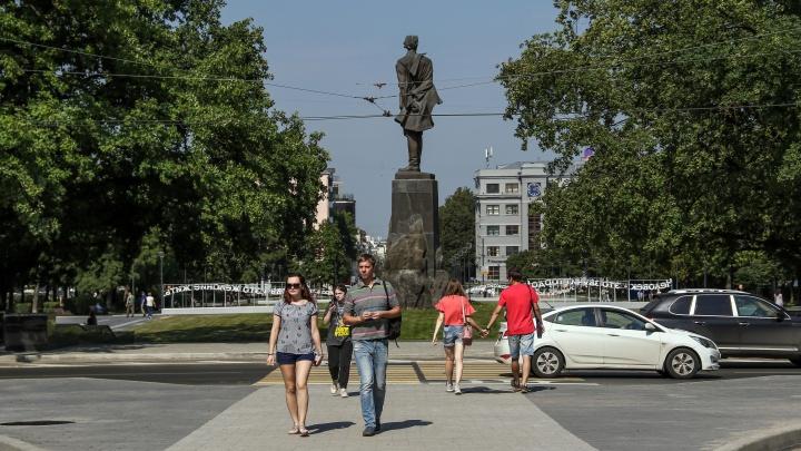 На площади Горького впервые появится светофор. Он должен уменьшить пробки