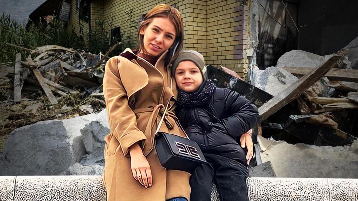 «Мы прошли через ад»: в Волгограде хозяйка снесенного коттеджа на «Белой даче» просит вернуть ей дом