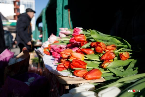 Букет в среднем обойдется волгоградцам в 833 рубля