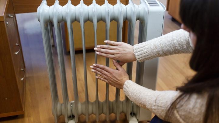 Из 26 детей ходят 10: волгоградцы массово жалуются на отсутствие тепла в детских садах и школах