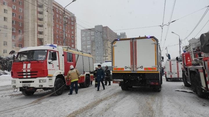 Движение транспорта на Мещерском бульваре перекрыто из-за взрыва в многоэтажке