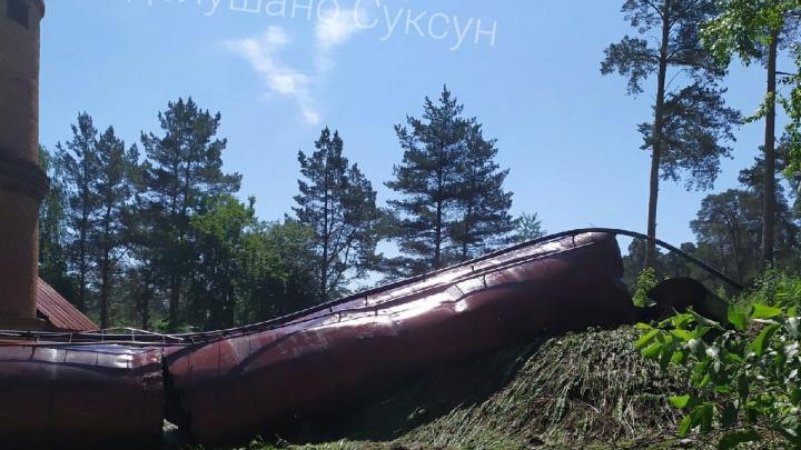 В Суксуне упала водонапорная башня — жители остались без воды