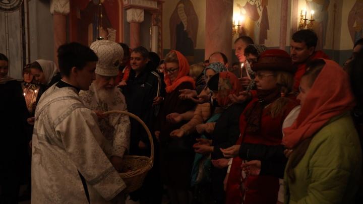 Металлоискатели и полиция: как прошли пасхальные богослужения в самарских храмах