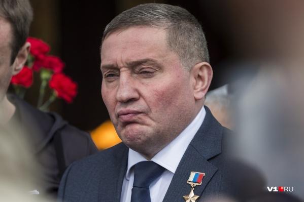 Утверждения Андрея Бочарова разнятся и с данными главы федерального надзорного органа