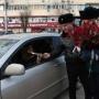 На улицах Волгограда 6 марта автомобилистов будет останавливать Цветочный патруль