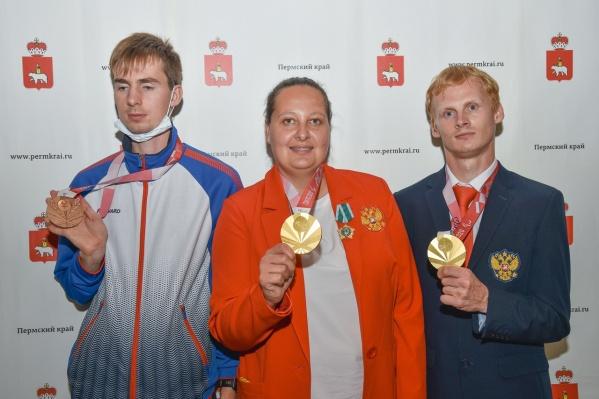 На фотографии слева направо: Федор Рудаков, Галина Липатникова и Евгений Торсунов