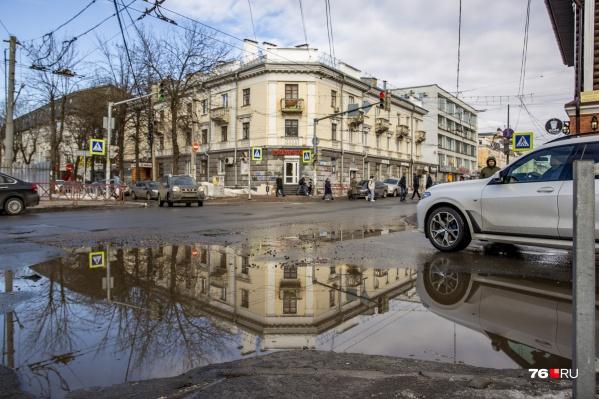 Многие ярославцы согласны с мнением Варламова — в городе очень грязно