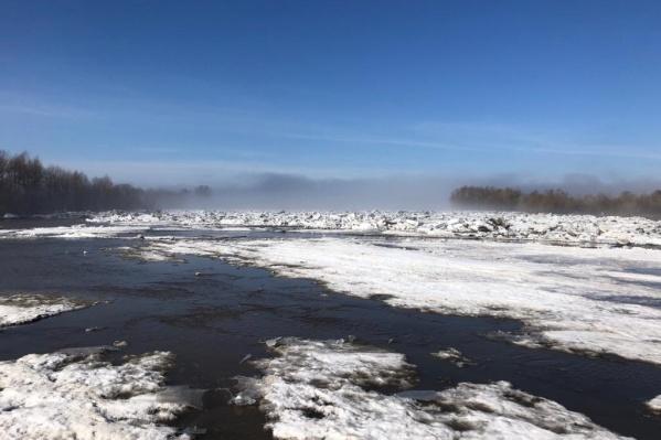 """В селе&nbsp;образовался ледяной затор протяженностью <nobr class=""""_"""">2,5 километра</nobr>"""