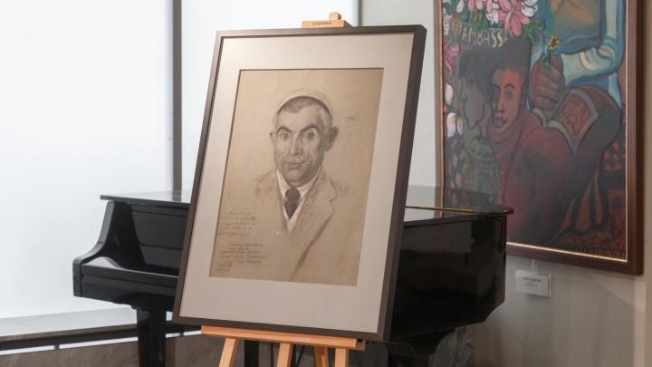В Волгограде впервые за 36 лет пополнили коллекцию работ Ильи Машкова: фоторепортаж