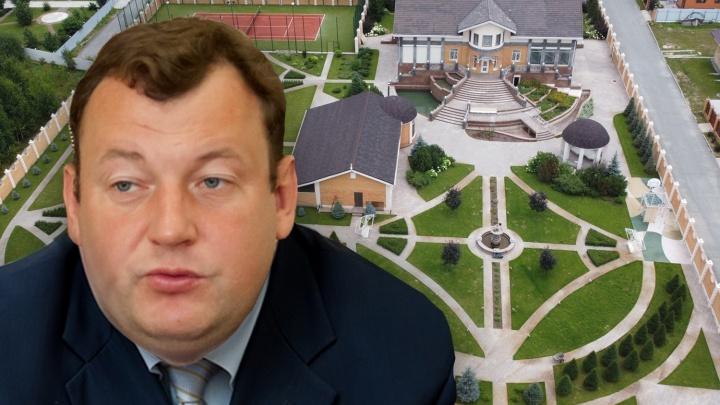Шикарное поместье Дюбанова: сколько зарабатывает и чем владеет уволившийся министр — взгляните на его особняк