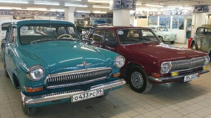 «Автомобили соскучились по посетителям». В Перми после долгого перерыва открывается музей «Ретро-гараж»