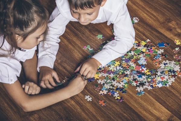 Дети с удовольствием соберут пазл и сделают поделку для конкурса
