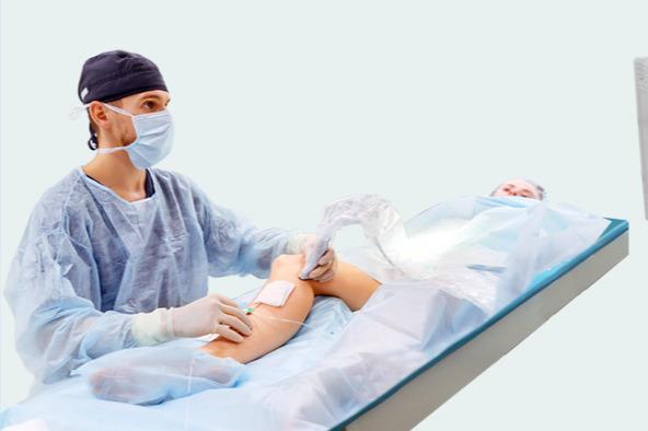 Ноги гудят и отекают: можно ли за час вылечить варикоз