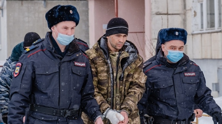 Завершилось расследование по делу пермяка, подозреваемого в убийстве беременной жены и тестя в Заостровке