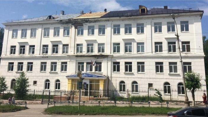 В Пермском крае школьник напал на учителя с ножом