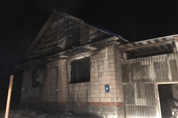 Пожар случился в этом частном доме