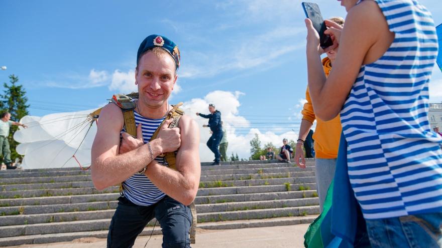 Даже дети в голубых беретах: как десантники Архангельска отмечают свой праздник. Фоторепортаж