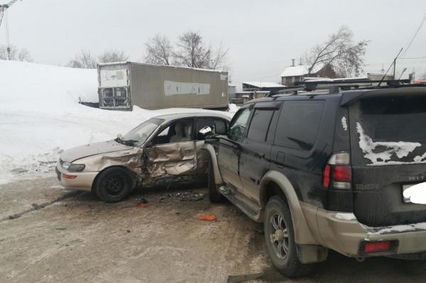 В столкновении двух автомобилей пострадал ребенок