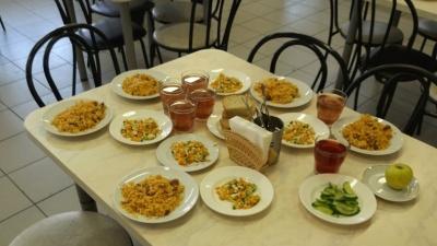 """Тюменец пожаловался на питание в школах. Последовавшая проверка превратилась <nobr class=""""_"""">в абсурд</nobr>"""