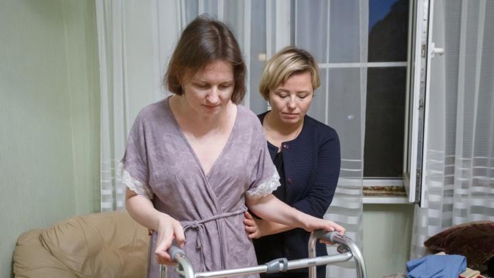 «Помочь могут только в Москве»: как 38-летняя женщина превращалась в инвалида, а врачи только разводили руками