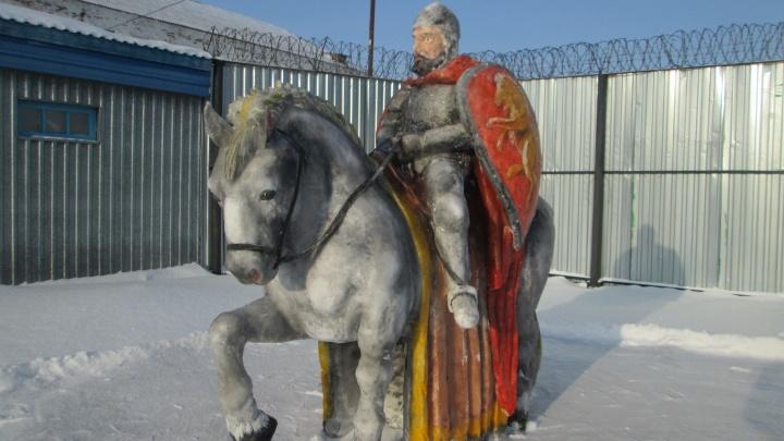 Бык-качок и Александр Невский на коне: в УФСИН назвали победителей конкурса снежных фигур