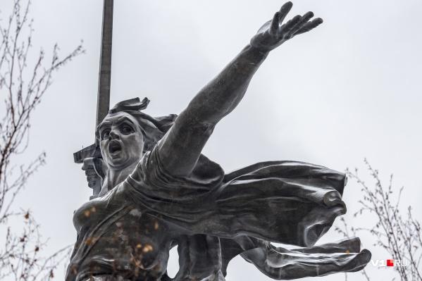 Арина Добрая считает, что юным тиктокерам забыли показать про «Обыкновенный фашизм»