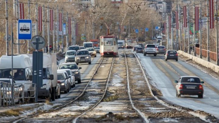 Власти Челябинска утвердили схему дорожного движения на время закрытия Ленинградского моста