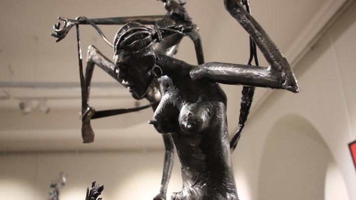 Автор Дон Кихота у ТЮЗа открыл выставку с обнаженными женщинами