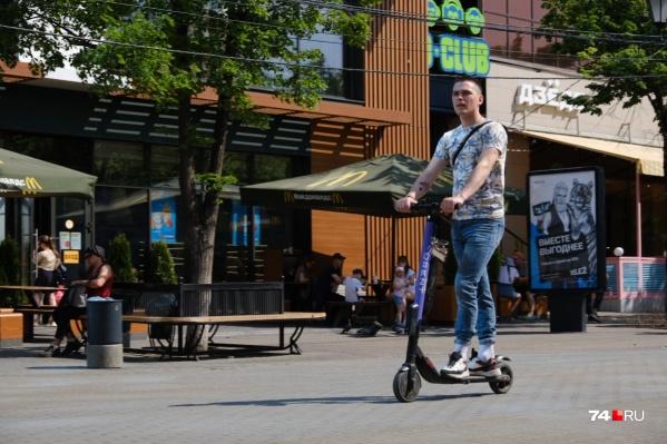 Самокат — это не транспортное средство, а значит, их владельцы — это просто пешеходы
