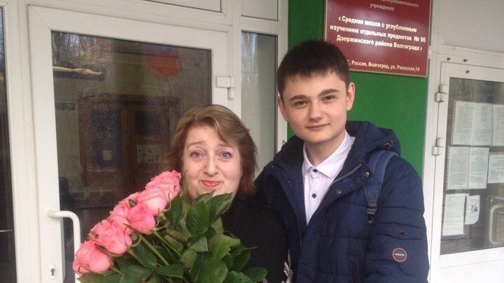 «Видимо, дали указание»: в Волгограде вернули электричество в квартиру пережившей инсульт учительницы
