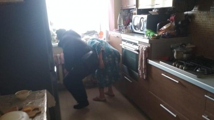 «Мерзнут старики и дети»: в Ярославле жильцы дома в 20-градусные морозы на сутки остались без отопления