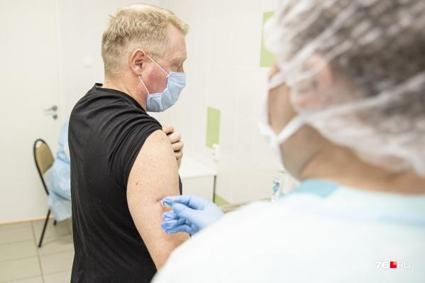 Записываться на прививку в ТЦ не нужно