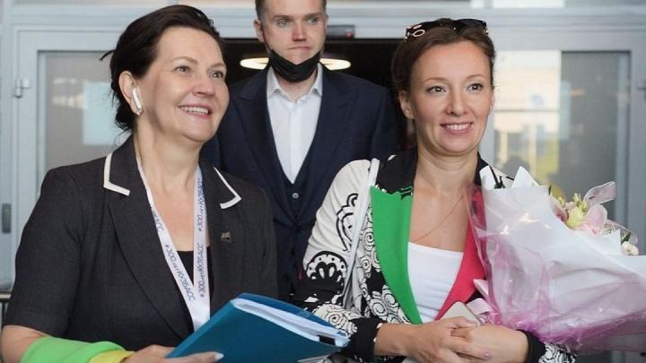В Кемерово прилетела детский омбудсмен Анна Кузнецова. Рассказываем, что она собралась здесь делать