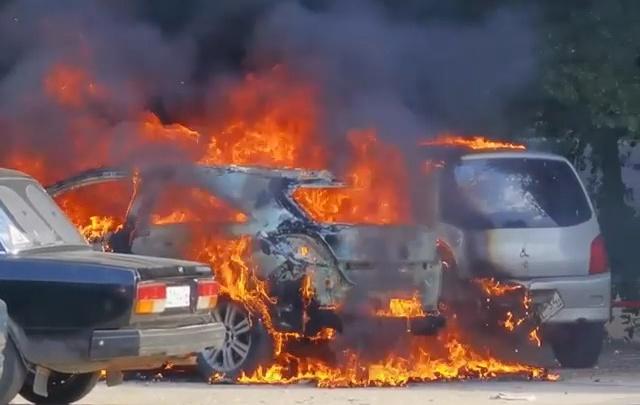 «Мужик просто красавчик!»: волгоградец спас из пожара три чужих автомобиля — видео