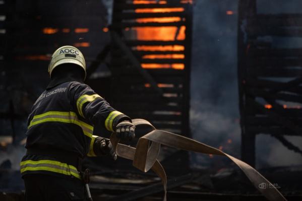 Информация о пожаре в МЧС поступила около 11:26