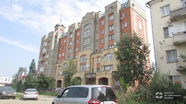 В Омске с банкротных торгов продали квартиру с мансардой. Она принадлежала династии строителей