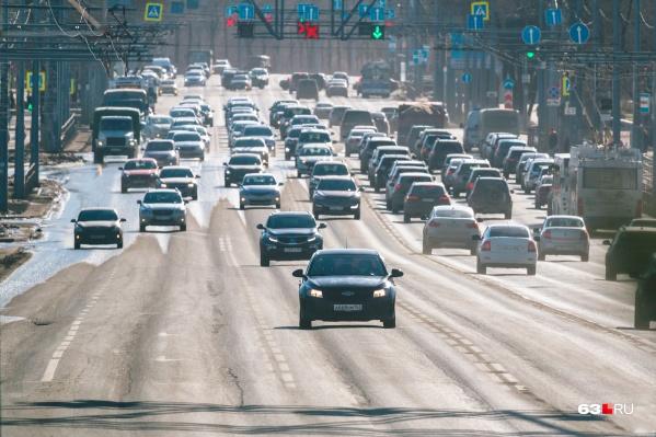 """Глубина колеи на Московском шоссе местами достигает 7<nobr class=""""_"""">&nbsp;сантиметров</nobr>"""