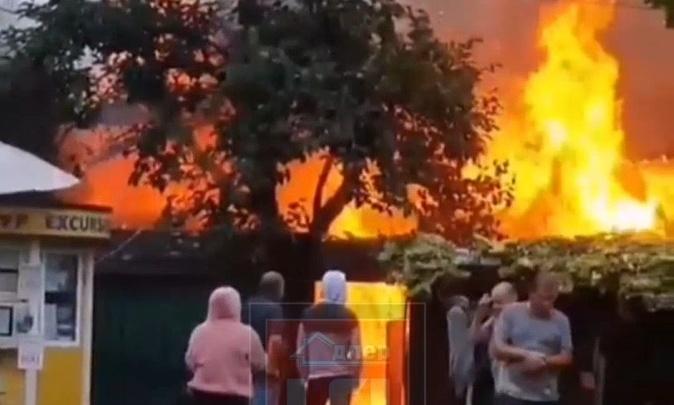 В Сочи сгорел частный дом