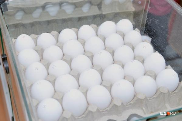 Яйца начали готовиться к Пасхе заранее — цена на них поднимается уже не первый месяц
