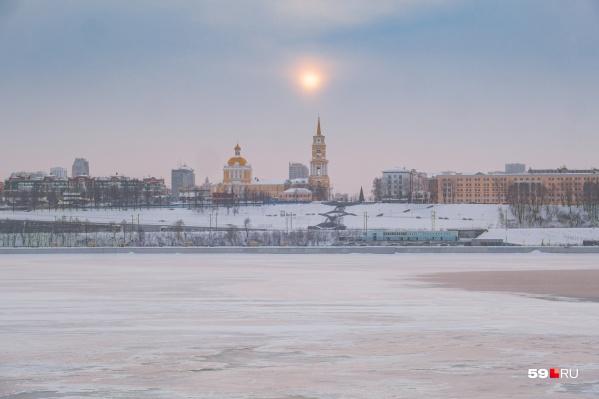 Одна из самых красивых панорам Перми открывается с правого берега