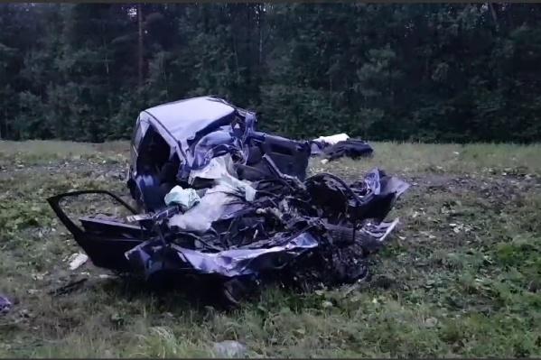 Ford превратился в груду металла
