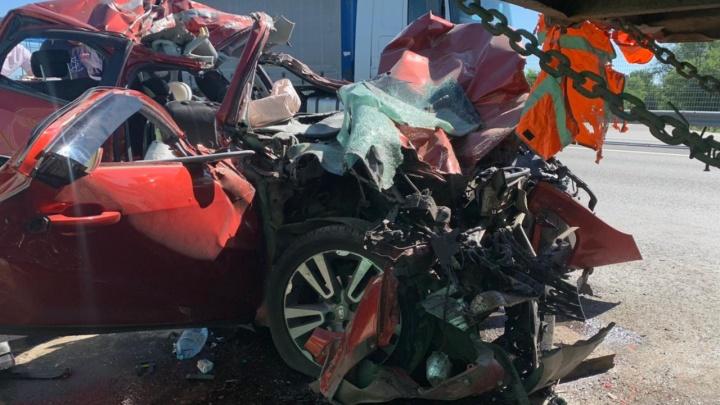 В Ростовской области четырехлетний мальчик погиб в ДТП с грузовиком. Отец ребенка уснул за рулем
