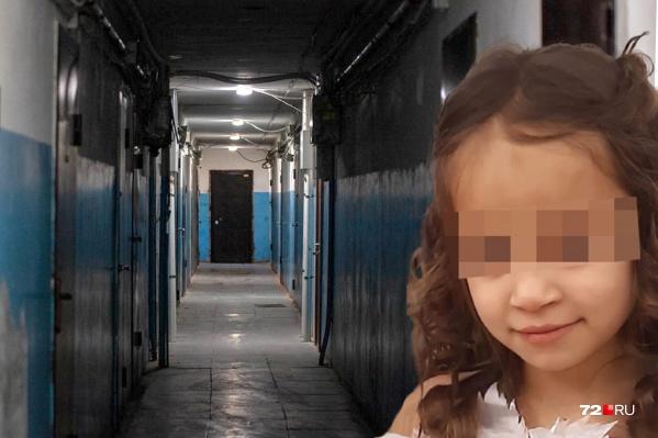 После смерти Насти ее брата-близнеца и 15-летнюю сестру забрали в соццентр. Родных хотят лишить родительских прав