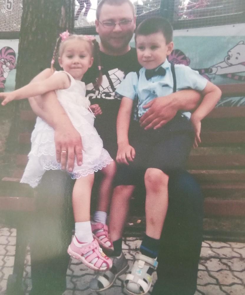 Одна из последних фотографий Евгения с детьми