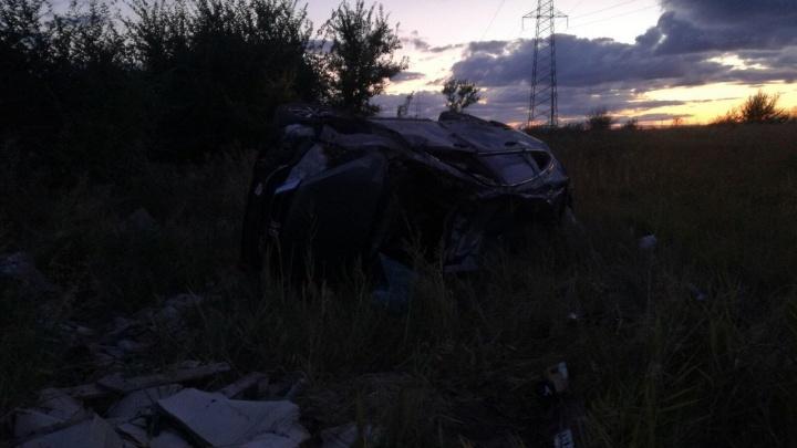 Тотальные повреждения: на М-5 в Самарской области иномарка вылетела в кювет